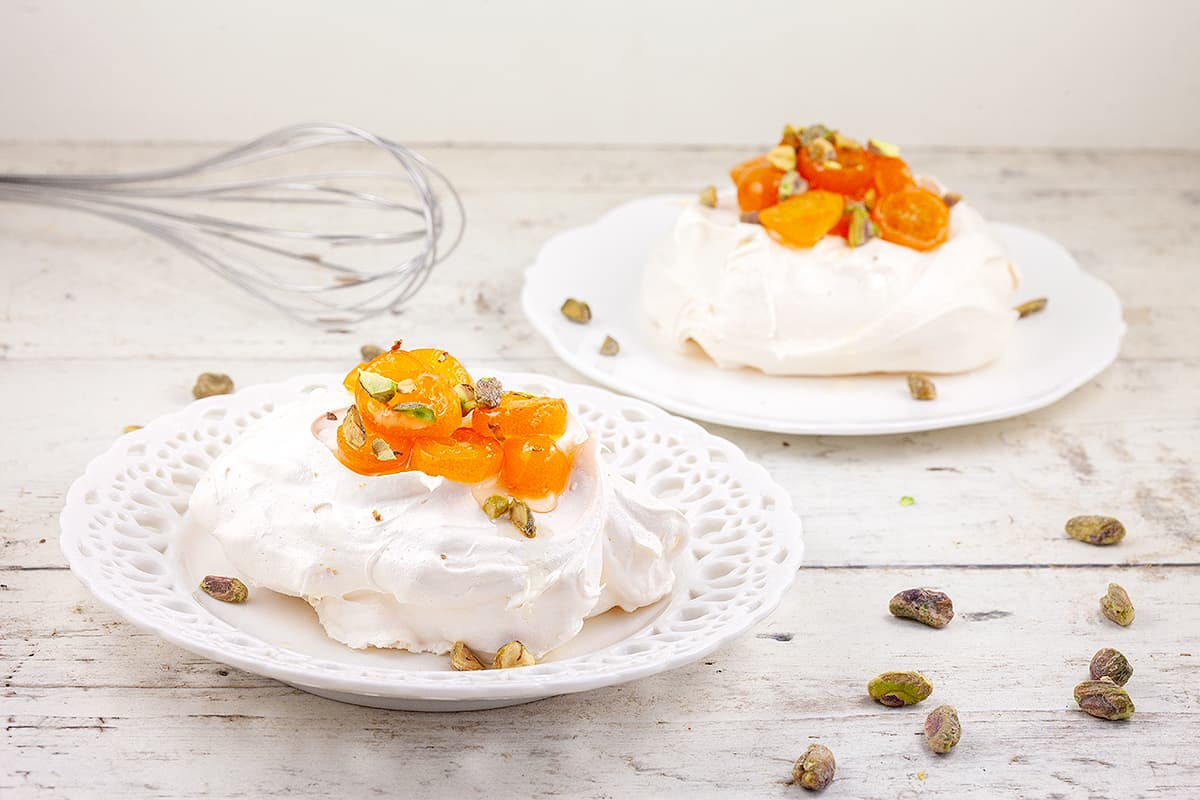 Mini pavlova met kumquats