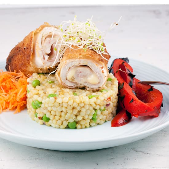 Cordon bleu met parel couscous