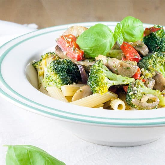 Pasta met broccoli en pesto