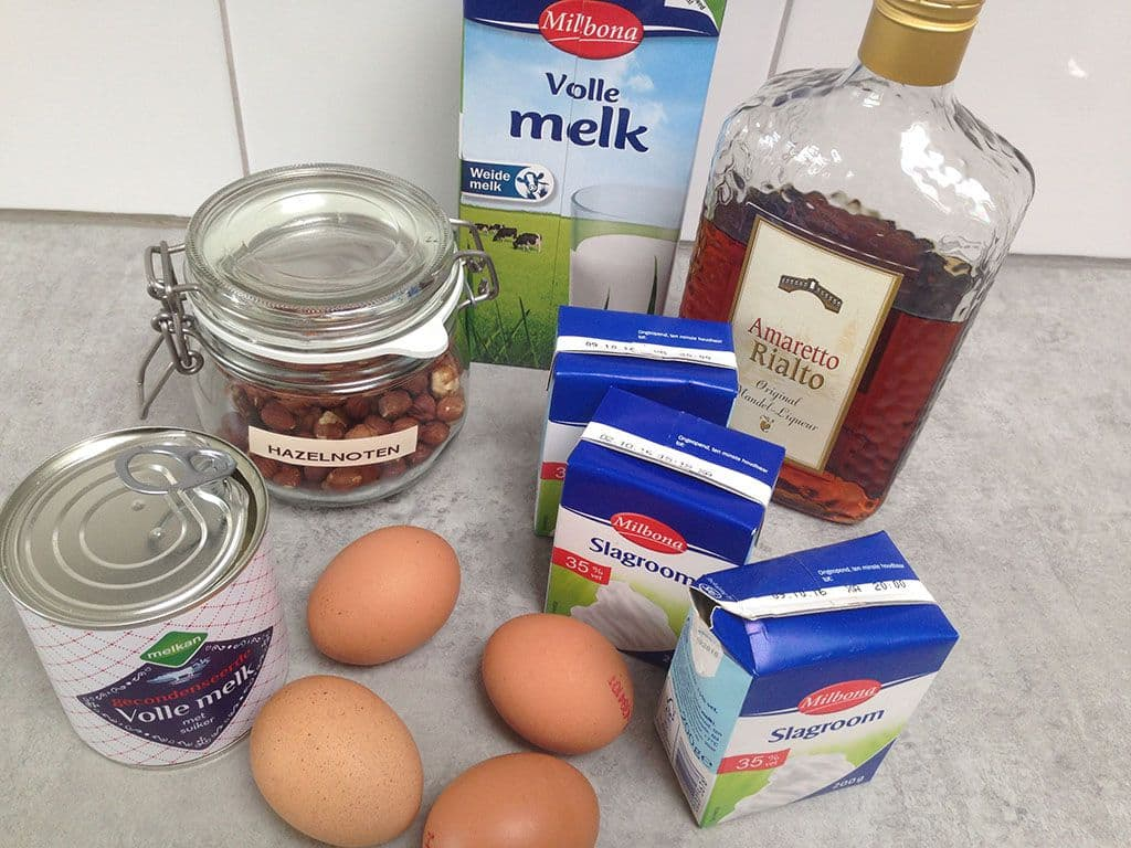 Hazelnoot en amaretto roomijs ingredienten - Hazelnoot en amaretto roomijs