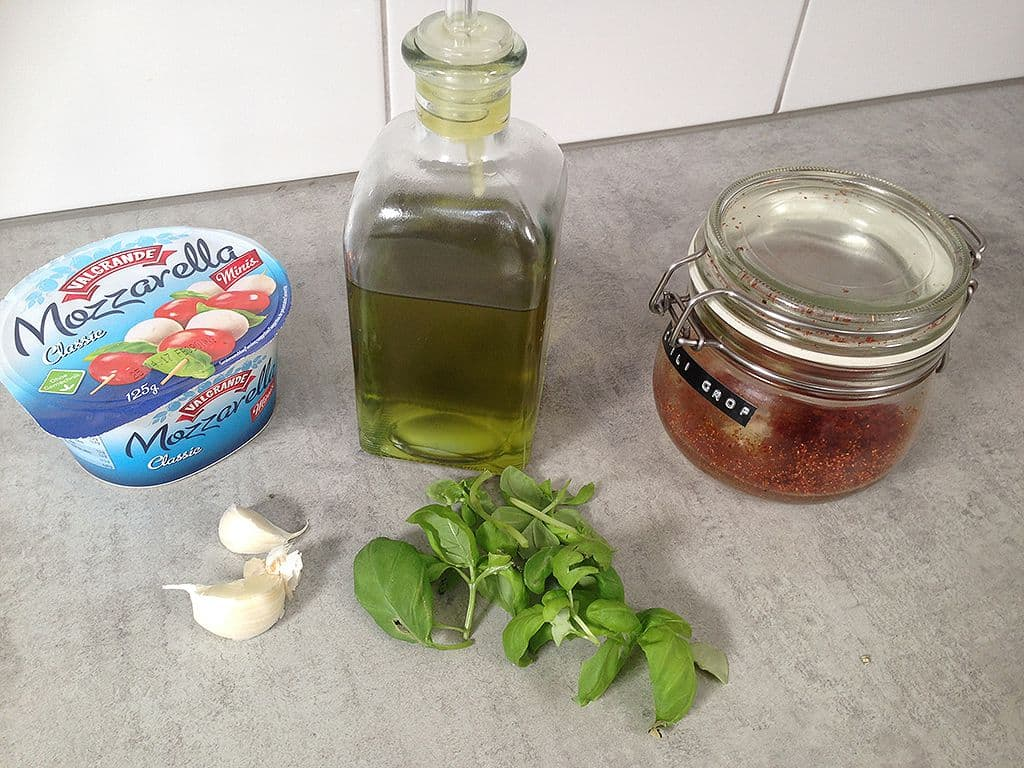 Gemarineerde mini mozzarella ingrediënten - Gemarineerde mini mozzarella