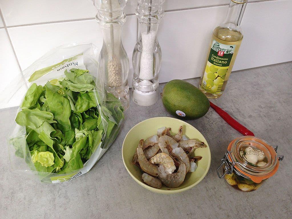 Salade met gamba's, mango en mozzarella ingrediënten